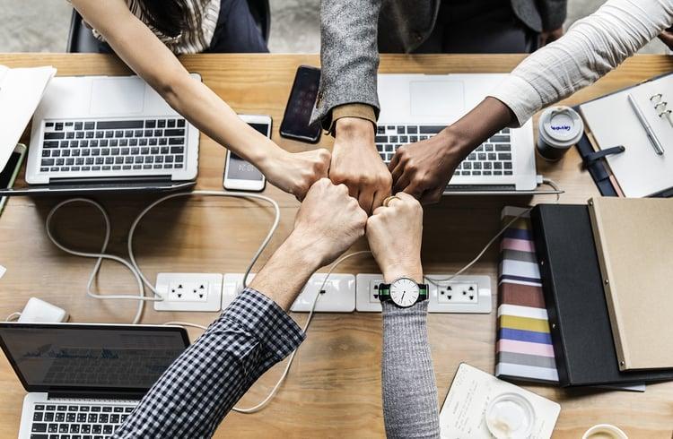 Wie nützlich sind Meeting-Regeln noch wirklich im digitalen Zeitalter für moderne Unternehmen?